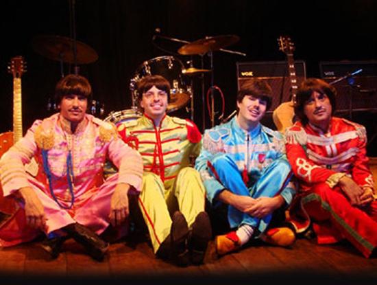 Gosta de Beatles? Na edição passada, a banda cover Beatles 4Ever tocou por 16 horas sem parar!