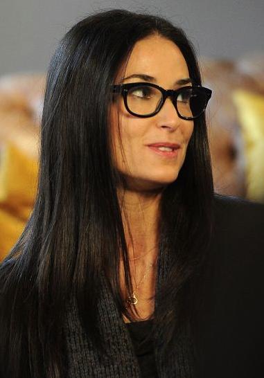 Foto: http://mdemulher.abril.com.br/moda/claudia/o-oculos-de-grau-ideal-para-cada-formato-de-rosto#13