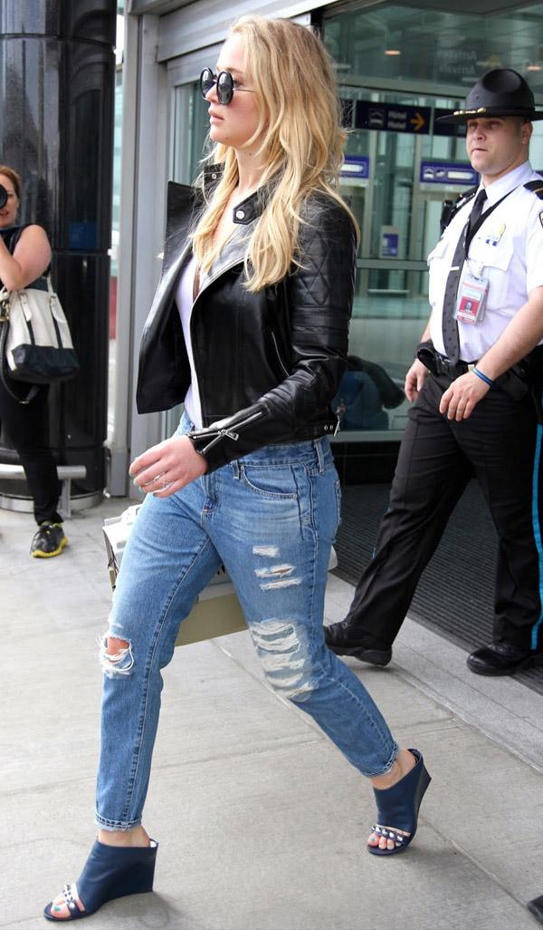 jennifer-lawrence-street-style-mullet-shoes-jacket